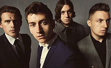 Arctic-Monkeys_220