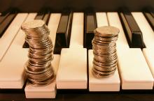 Piano-Money220